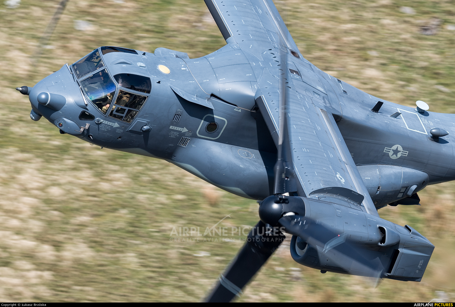 USA - Air Force 11-0058 aircraft at Machynlleth Loop - LFA 7
