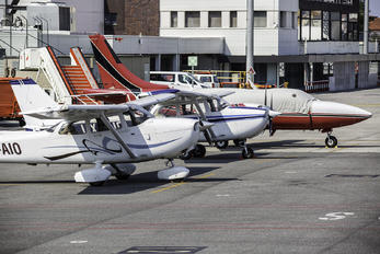 UX-AIO - Private Cessna 172 Skyhawk (all models except RG)