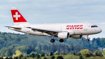 HB-IPY - Swiss Airbus A319