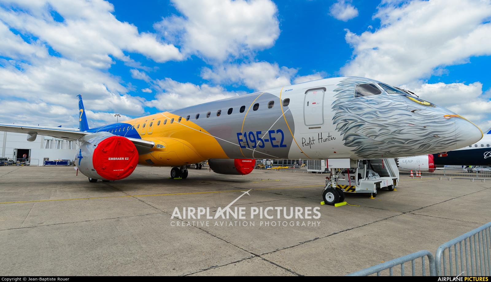 Embraer PR-ZIJ aircraft at Paris - Le Bourget