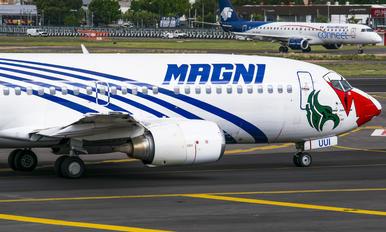 XA-UUI - Magnicharters Boeing 737-300