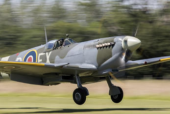 G-CGYJ - Aero Legends Supermarine Spitfire IX
