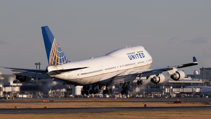 N197UA - United Airlines Boeing 747-400