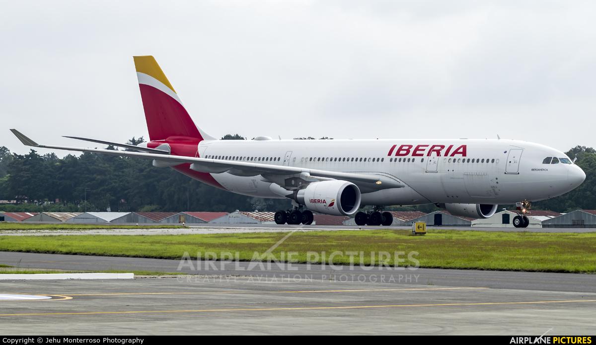 Iberia EC-MLB aircraft at Guatemala - La Aurora