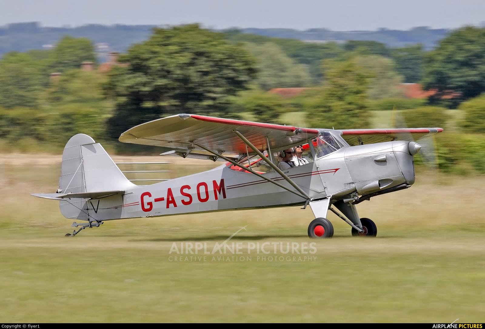 Private G-ASOM aircraft at Lashenden / Headcorn