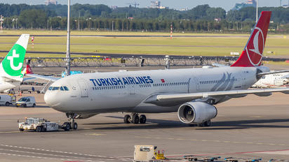 TC-JNM - Turkish Airlines Airbus A330-300