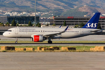 LN-RGL - SAS - Scandinavian Airlines Airbus A320 NEO