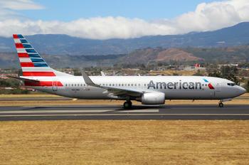 N811NN - American Airlines Boeing 737-800