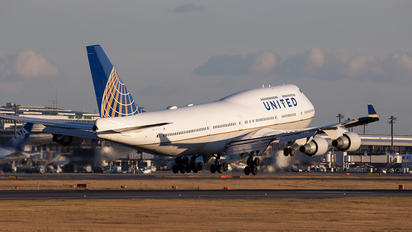 N107UA - United Airlines Boeing 747-400