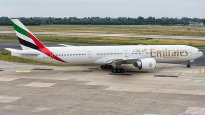 A6-EBU - Emirates Airlines Boeing 777-300ER