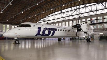 SP-EQI - LOT - Polish Airlines de Havilland Canada DHC-8-400Q / Bombardier Q400