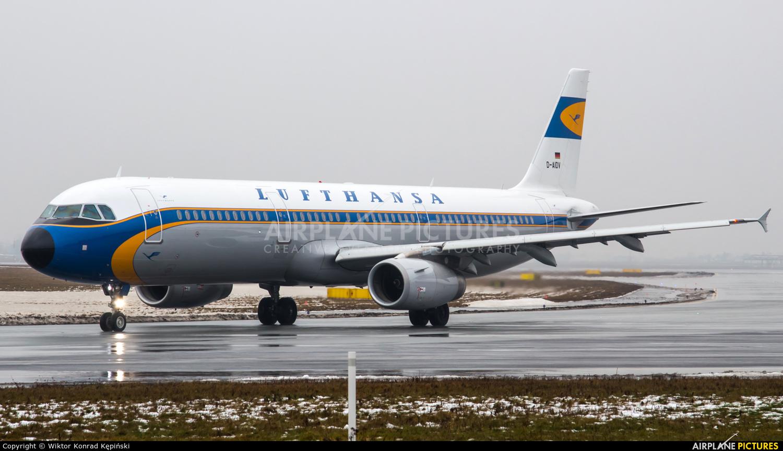 Lufthansa D-AIDV aircraft at Warsaw - Frederic Chopin