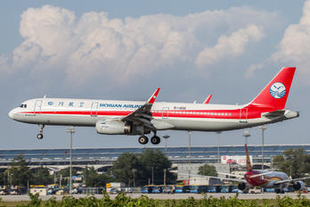 B-1891 - Sichuan Airlines  Airbus A321