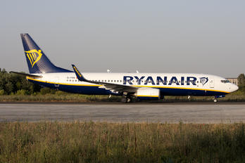 EI-FRN - Ryanair Boeing 737-8AS