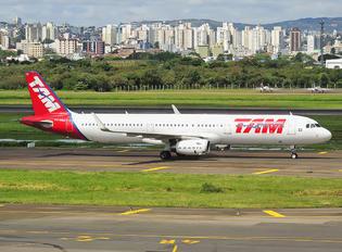 PT-MXQ - TAM Airbus A321