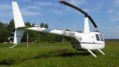 UR-SAH - Private Robinson R44 Astro / Raven