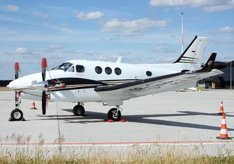 SP-CUD - Private Beechcraft 90 King Air
