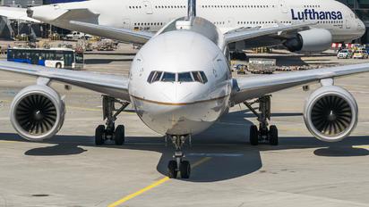 N228UA - United Airlines Boeing 777-200ER