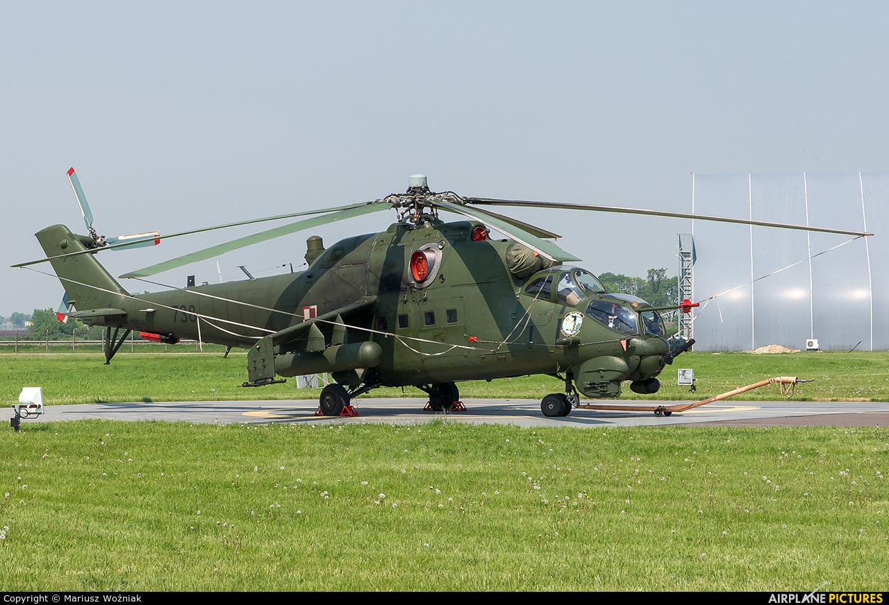 Poland - Army 738 aircraft at Inowrocław - Latkowo