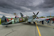 MJ979 - Private Supermarine Spitfire Mk.IX aircraft