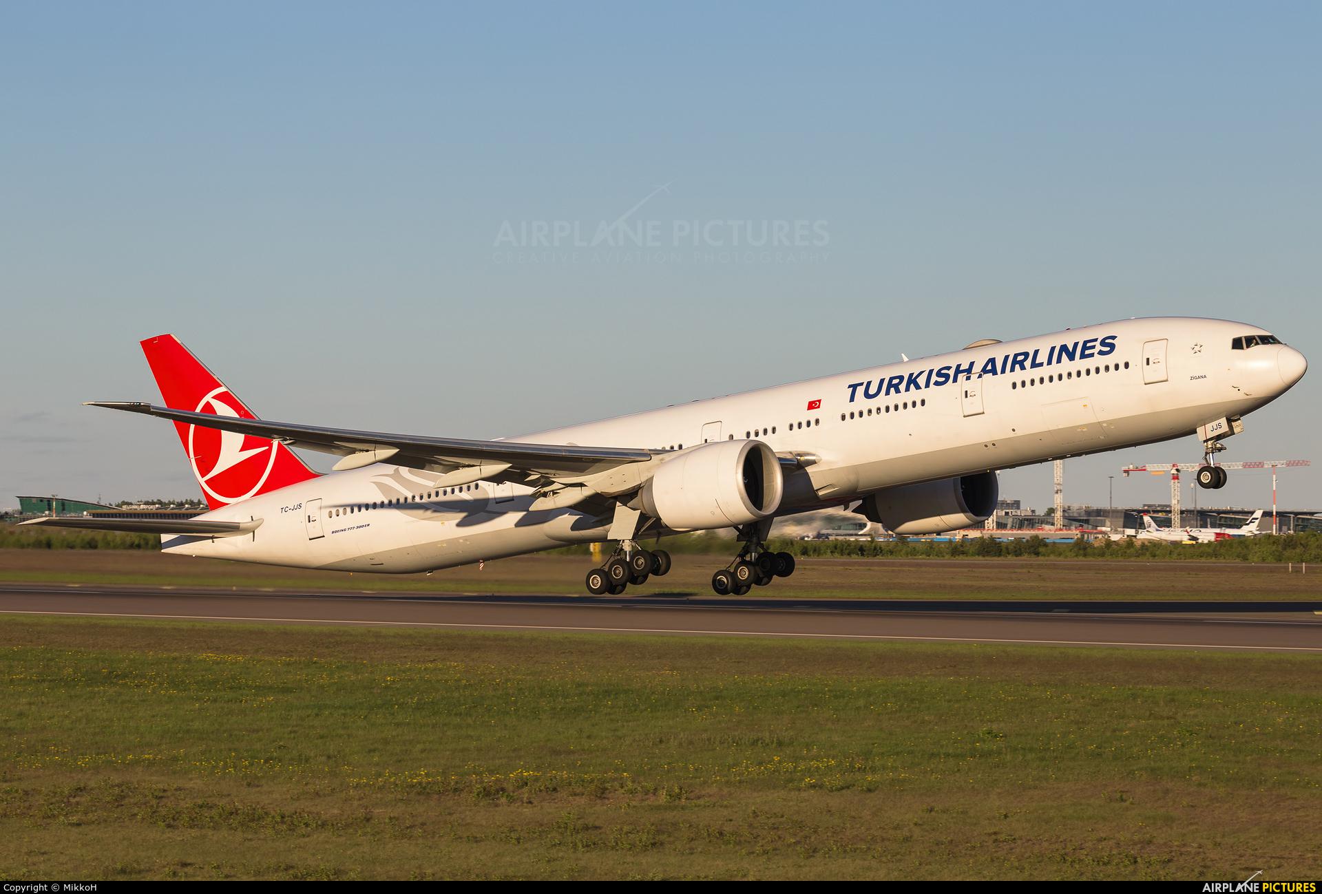 Turkish Airlines TC-JJS aircraft at Helsinki - Vantaa