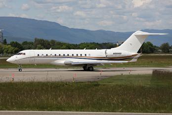 N68889 - Private Bombardier BD-700 Global 6000