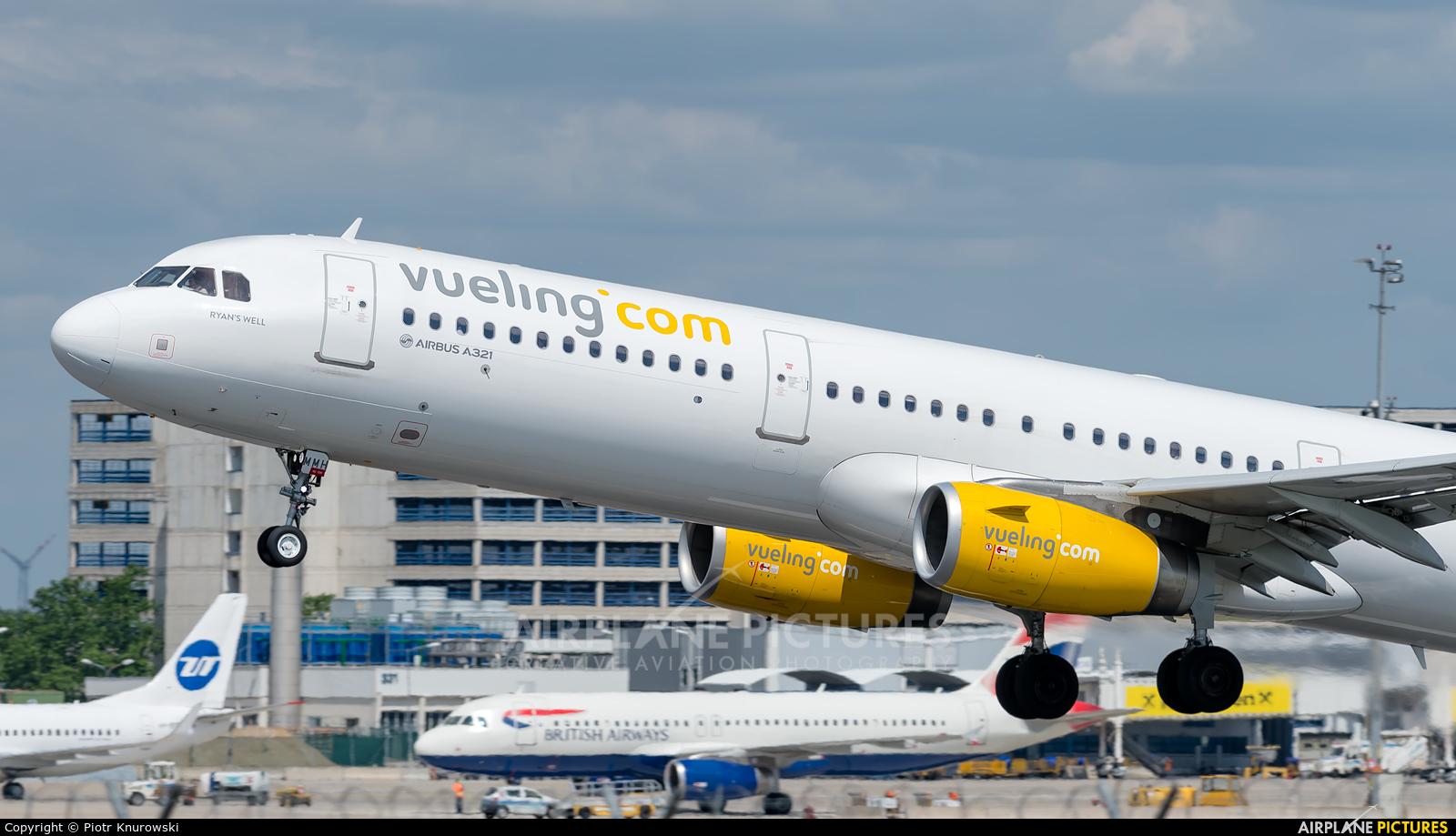 Vueling Airlines EC-MMH aircraft at Vienna - Schwechat