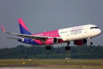 HA-LXO - Wizz Air Airbus A321