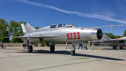 9233 - Poland - Air Force Mikoyan-Gurevich MiG-21UM