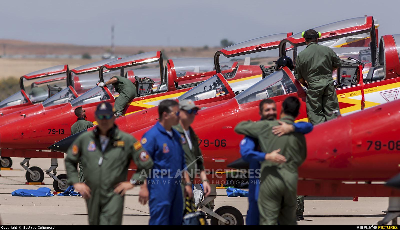 Spain - Air Force : Patrulla Aguila E.25-13 aircraft at Madrid - Torrejon