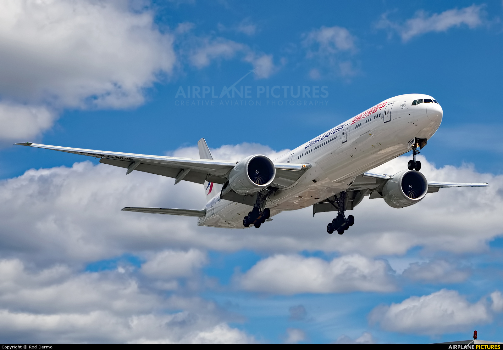 China Eastern Airlines B-7369 aircraft at Toronto - Pearson Intl, ON