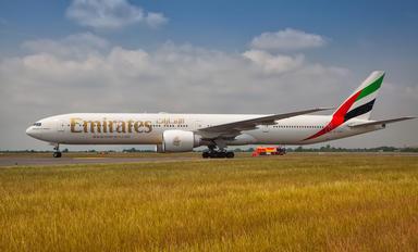 A6-ENN - Emirates Airlines Boeing 777-300ER