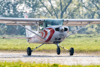 SP-KCC - Private Cessna 152