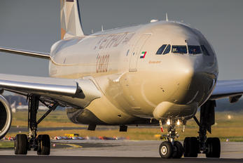 A6-DCE - Etihad Cargo Airbus A330-200F