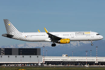 EC-MQB - Vueling Airlines Airbus A321