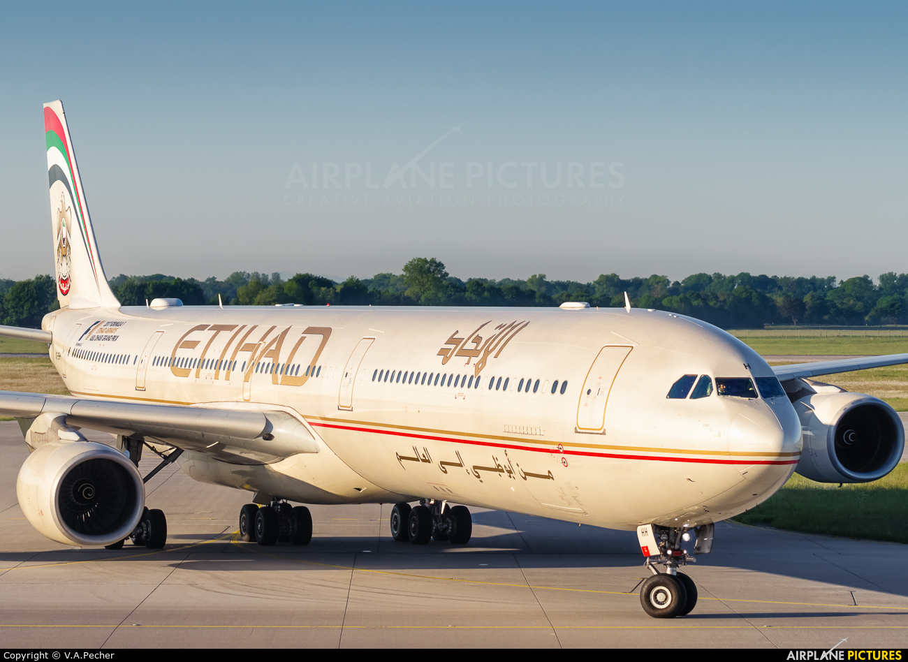 Etihad Airways A6-EHH aircraft at Munich