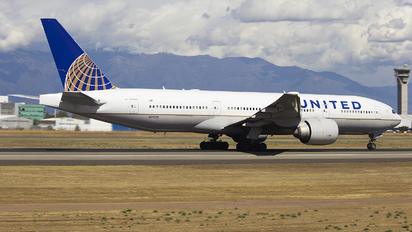 N79011 - United Airlines Boeing 777-200ER