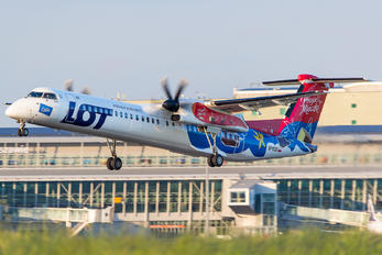 SP-EQD - LOT - Polish Airlines de Havilland Canada DHC-8-400Q / Bombardier Q400