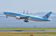 HL7766 - Korean Air Boeing 777-200 aircraft