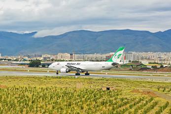 EP-MNJ - Mahan Air Airbus A300