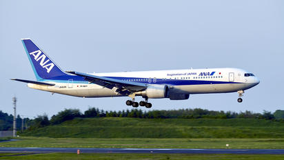 JA613A - ANA - All Nippon Airways Boeing 767-300