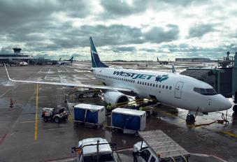 C-FBWJ - WestJet Airlines Boeing 737-700