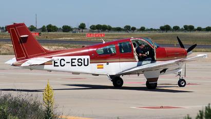 EC-ESU - Private Beechcraft 33 Debonair / Bonanza