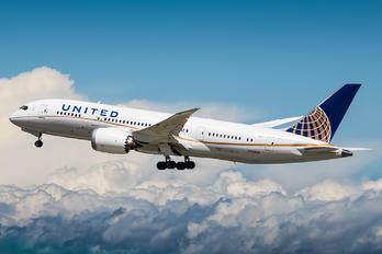 N26909 - United Airlines Boeing 787-8 Dreamliner