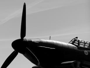 - -  Hawker Hurricane I