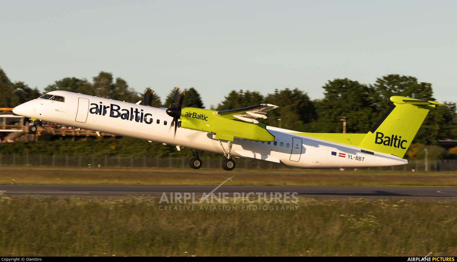 Air Baltic YL-BBT aircraft at Hamburg - Fuhlsbüttel