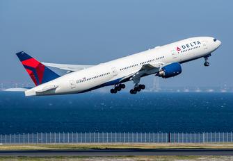 N867DA - Delta Air Lines Boeing 777-200ER