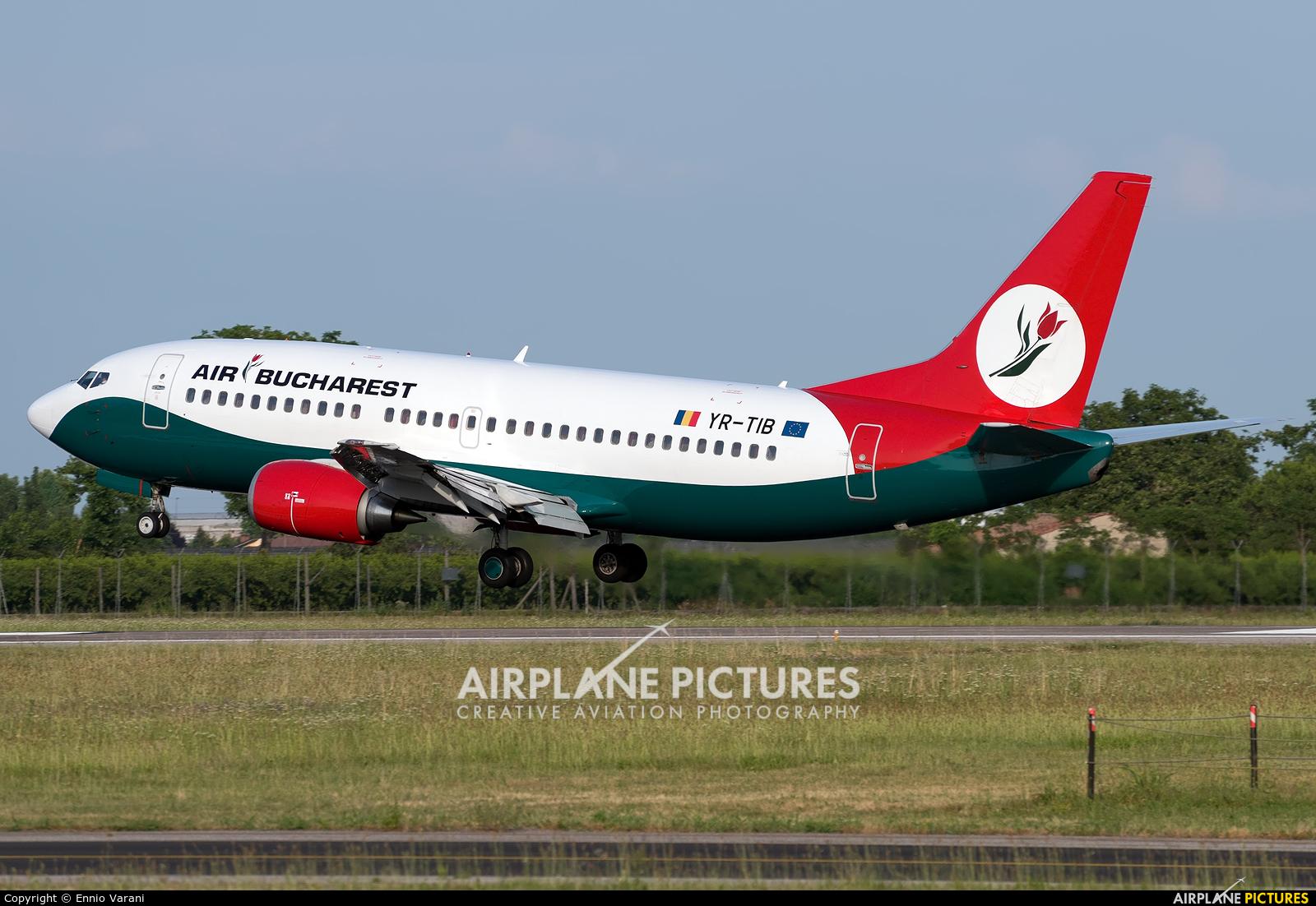 Air Bucharest Boeing B737-300
