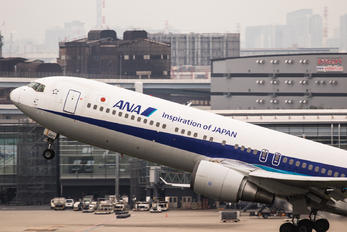 JA8567 - ANA - All Nippon Airways Boeing 767-300