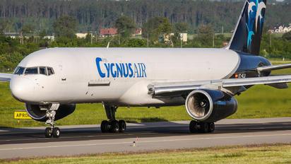 EC-KLD - Cygnus Air Boeing 757-200F